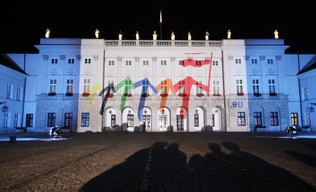 Iluminacja w związku z inauguracją przewodnictwa Polski w Radzie UE/ fot. P. Supernak /PAP