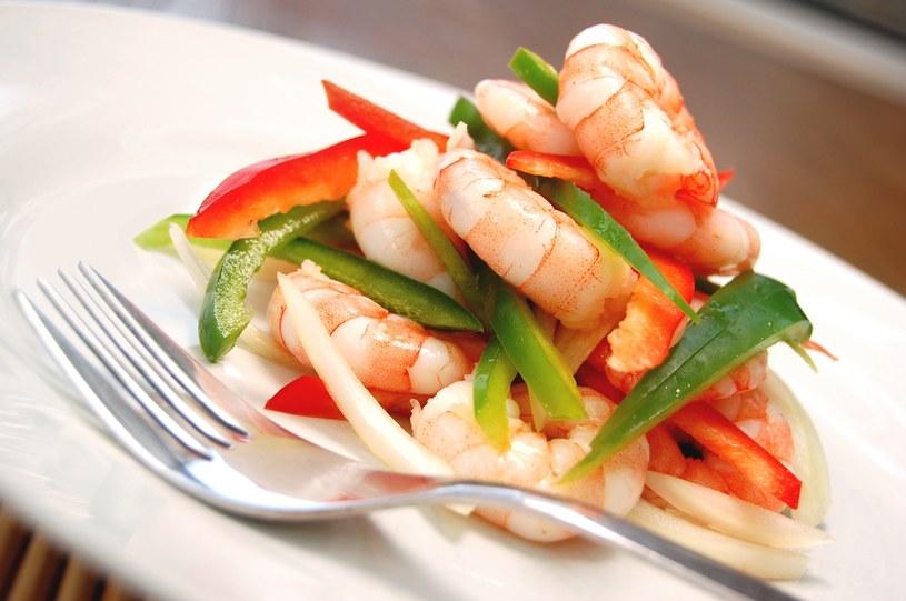 Im mężczyzna częściej spożywa owoce morza i ryby, tym częściej uprawa seks! /123RF/PICSEL