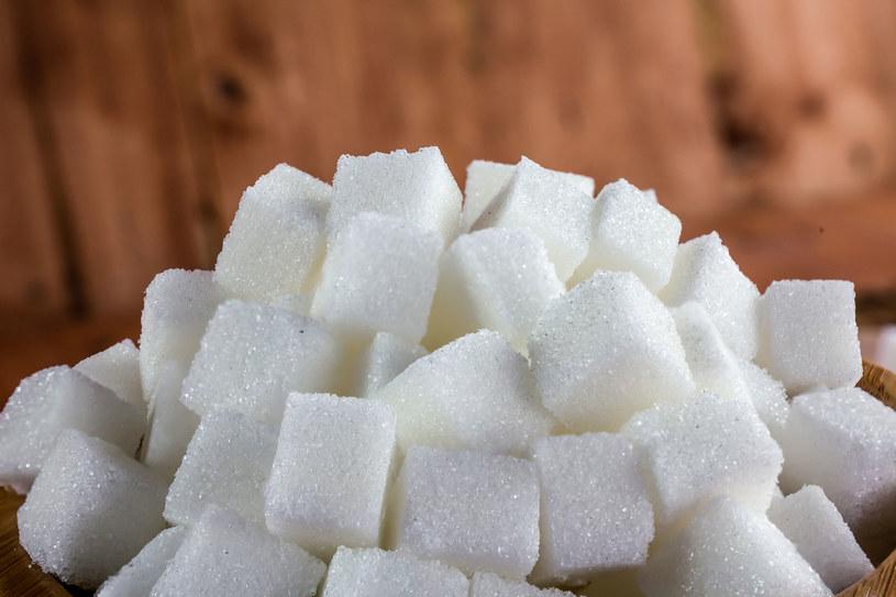 Im rzadsza bezsenność, tym lepiej dla poziomu cukru /123RF/PICSEL