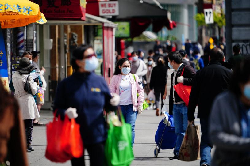 """""""Im wyższe zarobki w okolicy, tym większe prawdopodobieństwo, że się ją opuści"""" - podkreśla gazeta, zdj. ilustracyjne /John Nacion/NurPhoto /Getty Images"""