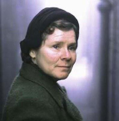 Imelda Staunton wcieli się w postać złej profesor /