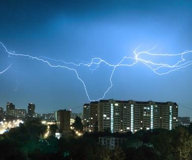 IMGW: Alerty przed burzami z gradem dla pięciu województw
