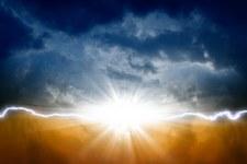 IMGW: Deszczowy poranek na południu i w centrum, na północy odrobina słońca i do 15 st. C