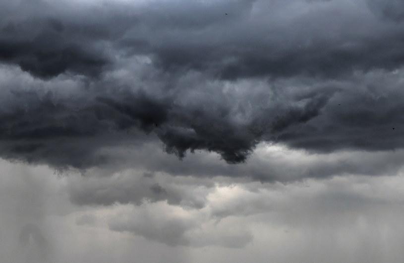 IMGW ostrzega: Burzowa i wietrzna noc /Wojtek Jargiło /PAP