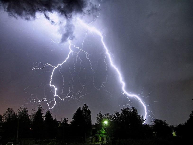 IMGW ostrzega przed burzami i ulewnymi deszczami /123RF/PICSEL