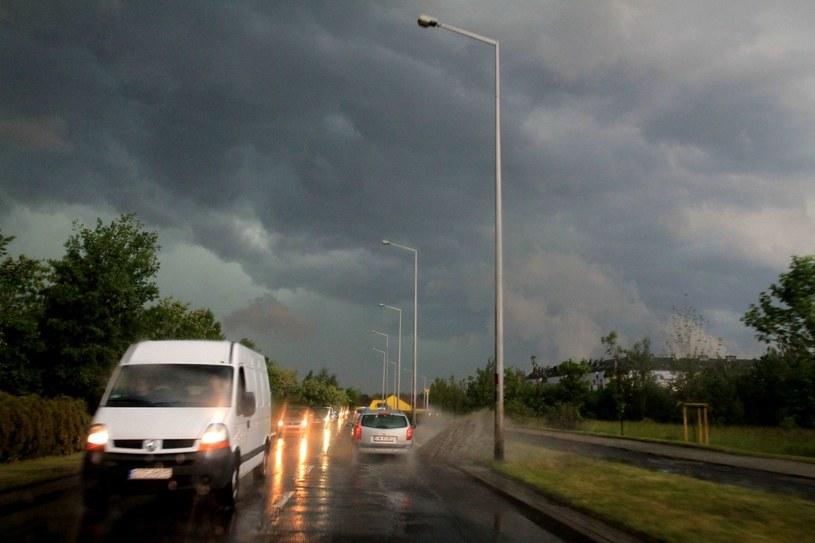IMGW ostrzega przed burzami /JAROSLAW JAKUBCZAK / POLSKA PRESS /East News