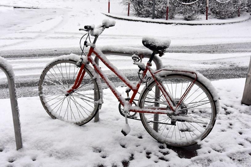 IMGW ostrzega przed intensywnymi opadami śniegu na Dolnym Śląsku /Albin Marciniak /East News