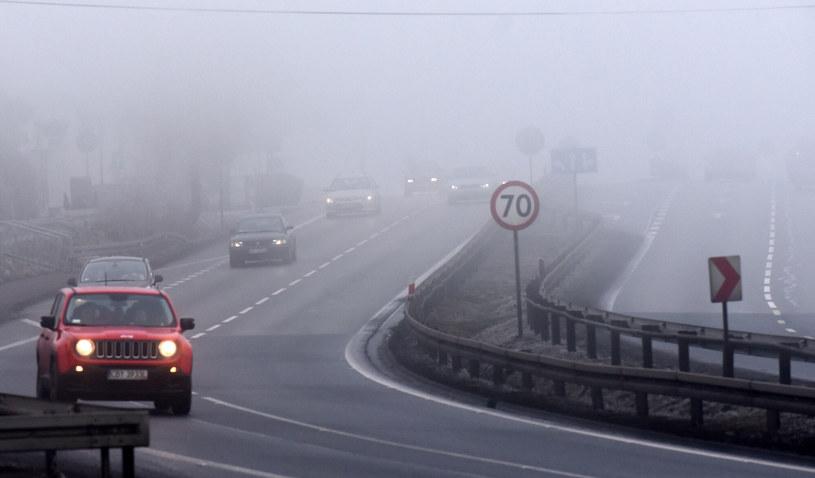 IMGW ostrzega przed mgłą /Marek Lasyk  /Reporter