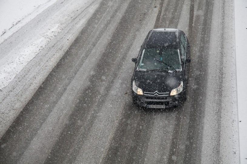 IMGW ostrzega przed oblodzeniem na drogach; zdj. ilustracyjne /Wojciech Jargilo /Reporter