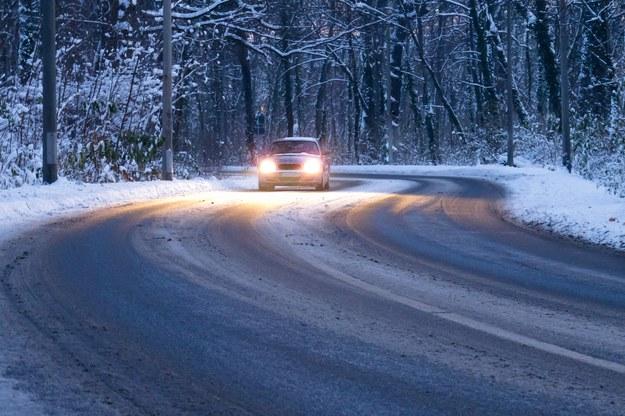 IMGW ostrzega przed oblodzonymi drogami /123/RF PICSEL /123/RF PICSEL