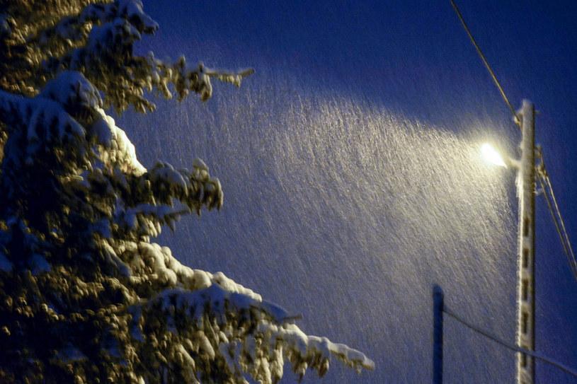 IMGW ostrzega przed opadami śniegu. /Wojciech Zatwarnicki /Reporter