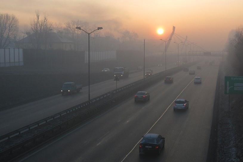 IMGW wydało ostrzeżenia w związku z silną mgłą /Fot. Adrian Slazok /Reporter