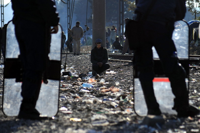 Imigranci na granicy grecko-macedońskiej /NIKOLAS GIAKOUMIDIS /PAP/EPA