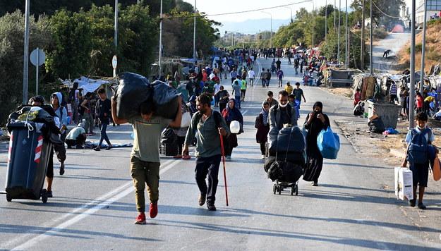 Imigranci na Lesbos /VANGELIS PAPANTONIS /PAP/EPA