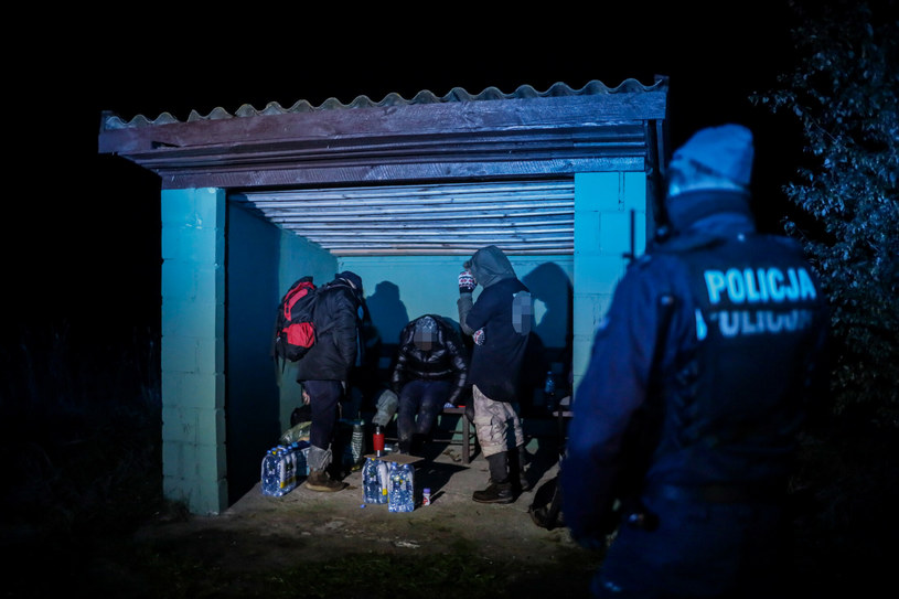 Imigranci na polskiej granicy /Jakub Kamiński   /East News