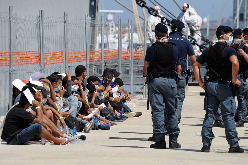 Imigranci uratowani w ramach operacji Mare Nostrum /AFP