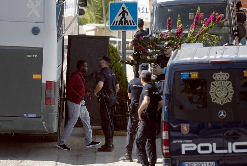 Imigranci z Libii zostaną zakwaterowani w nowym centrum przyjęć dla imigrantów w San Roque /AFP