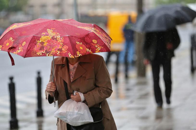 IMiGW wydał ostrzeżenie dla Mazowsza o możliwości intensywnych opadów w regionie /Rafał Guz /PAP