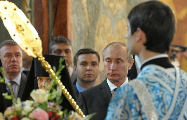 Imperium prezydenta Putina oparty jest o surowce i banki /AFP