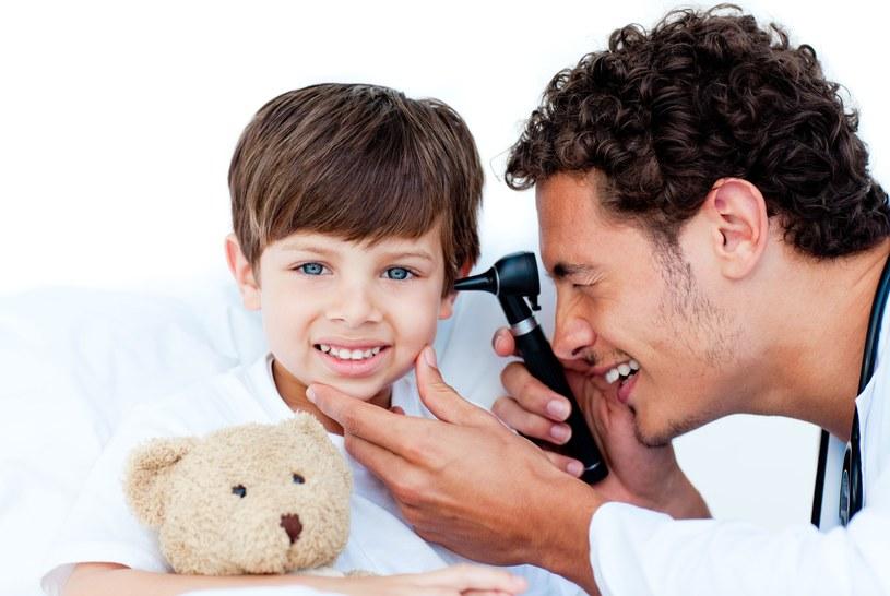 Implant może być stosowany u dorosłych i dzieci /123RF/PICSEL