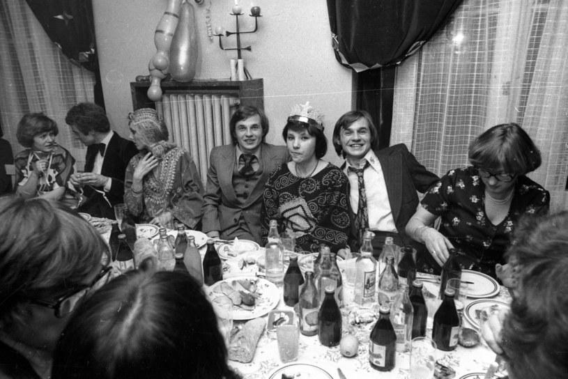 Impreza sylwestrowa - lata 70. /Jacek Barcz /Agencja FORUM