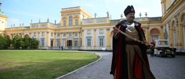 Imprezował, pił i wydawał mnóstwo pieniędzy. Poznajcie drugą twarz polskiego króla