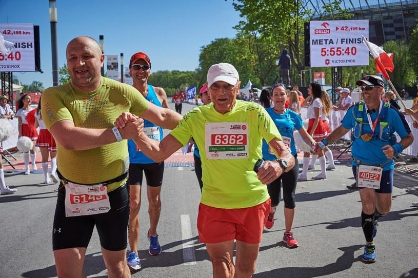 Imprezy takie jak ORLEN Warsaw Marathon czy Bieg OSHEE 10km przyciągają rzesze fanów biegania /materiały promocyjne