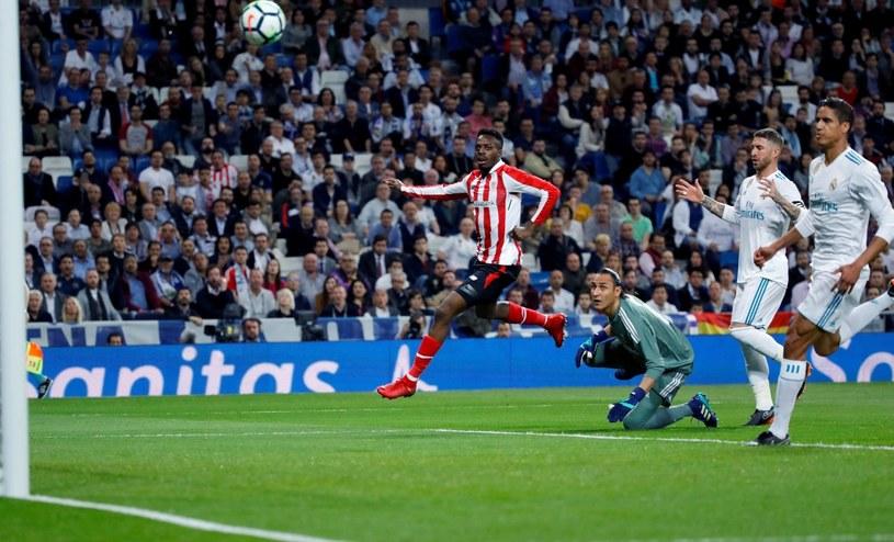 Inaki Williams strzela gola dla Athletic w meczu z  Realem /PAP/EPA