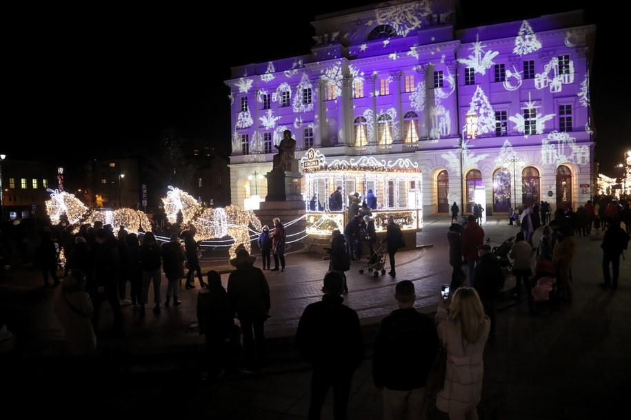 Inauguracja iluminacji świątecznej w Warszawie /Wojciech Olkuśnik /PAP