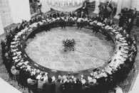 Inauguracja obrad okrągłego stołu, 1989 r. /Encyklopedia Internautica