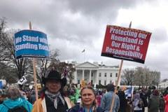 Indianie z Dakoty Północnej protestują przed Białym Domem
