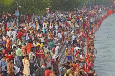 Indie: Po obchodach święta Kumbhamela tysiące zakażeń koronawirusem