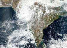 Indie: u wybrzeży formuje się kolejny cyklon