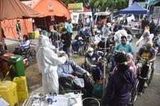 Indonezja: Gwałtowny wzrost zakażeń i zgonów z powodu COVID-19