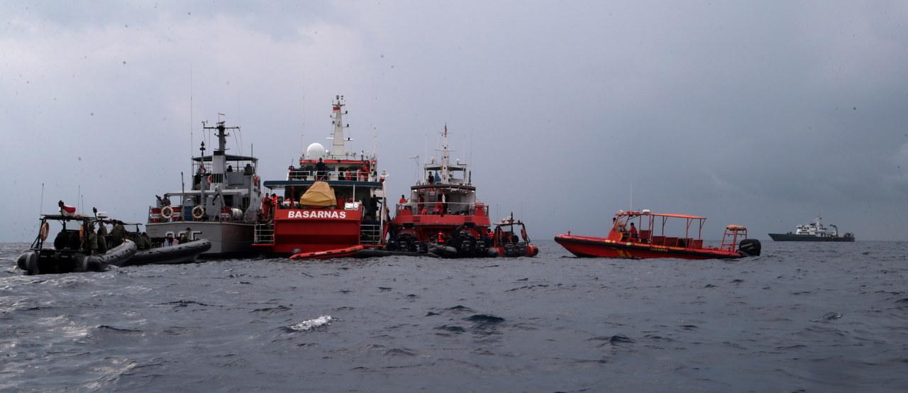 Indonezja: Odebrano sygnał z czarnej skrzynki rozbitego boeinga