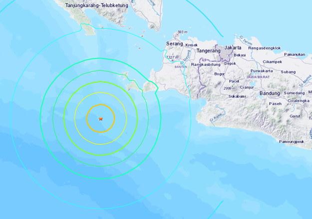 Indonezja znajduje się na wyjątkowo aktywnym sejsmicznie obszarze /USGS /PAP/EPA