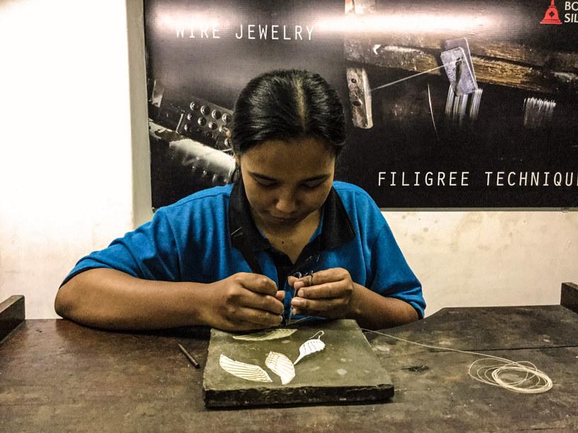 Indonezja znana jest z misternych wyrobów ze srebra /Styl.pl