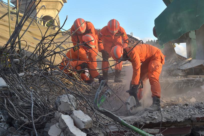 Indonezyjska wyspa Lombok po trzęsieniu ziemi /ADEK BERRY/AFP /AFP