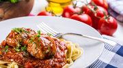 Indycze sznycelki w sosie bolońskim