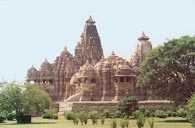 Indyjska sztuka, świątynia w Kadżuraho /Encyklopedia Internautica