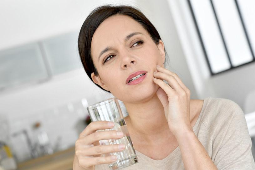 Infekcje zębów mogą poważnie zaszkodzić naszemu zrdowiu /123RF/PICSEL
