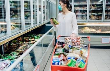 Inflacja wciąż się rozpędza. Znowu jest wyższa od oczekiwań
