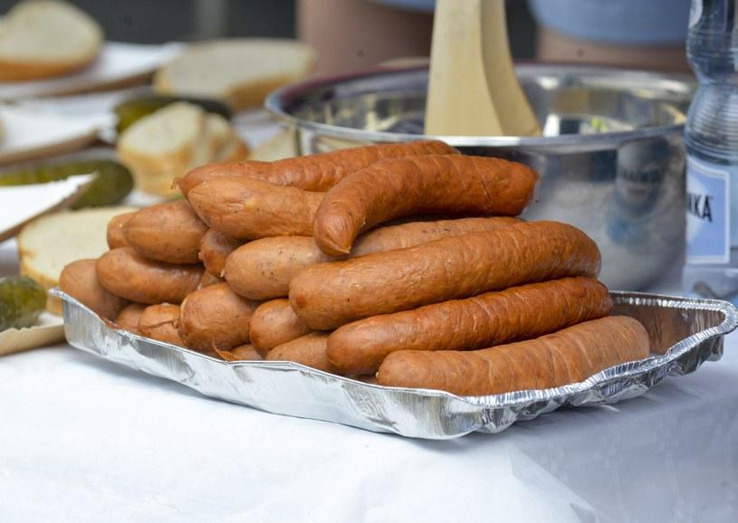 Influencerki w zamian za jedzenie proponują pozytywną recenzję lokalu/zdjęcie ilustracyjne /Witold Rozbicki/REPORTER /Reporter