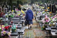 """<a href=""""https://wydarzenia.interia.pl/raporty/raport-koronawirus-chiny/polska/news-informacja-o-dostepnosci-cmentarzy-w-dniu-wszystkich-swietyc,nId,4822880"""">Informacja o dostępności cmentarzy w Dniu Wszystkich Świętych w piątek</a> thumbnail  Koronawirus we Włoszech. Doradca ministra zdrowia: Piekło na pogotowiach 000AMCGG73TX63U4 C307"""