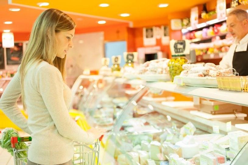 Informacje na temat żywności są podstawą do prawidłowych zakupów /123RF/PICSEL