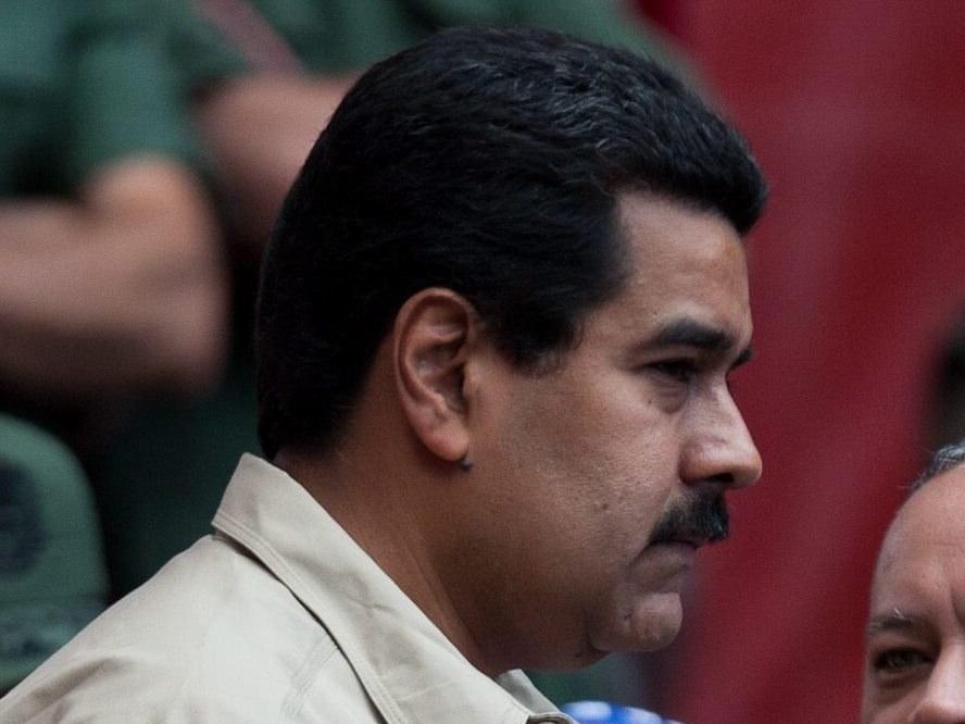 Informację o pogarszającym się stanie zdrowia Hugo Chaveza przekazał wiceprezydent Nicolas Maduro /MIGUEL GUTIERRE /PAP/EPA