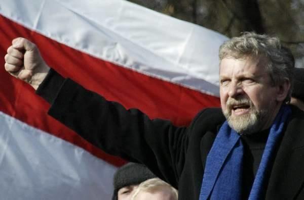 Informacje o zatrzymaniu Milinkiewicza nie potwierdziły się /AFP