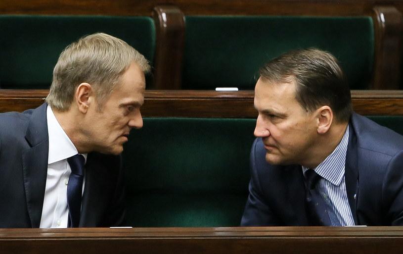 inister spraw zagranicznych Radosław Sikorski i premier Donald Tusk /Paweł Supernak /PAP