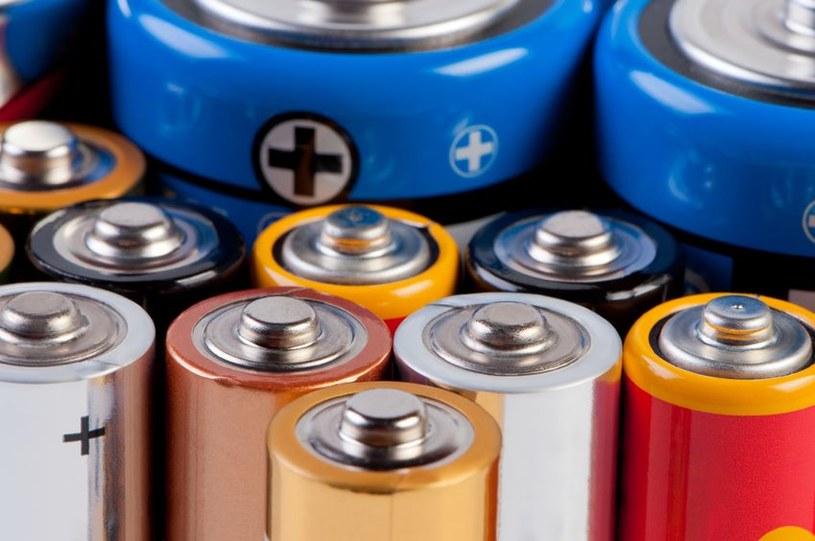 Innowacyjne baterie węglowe już wkrótce pojawią się w naszych domach? /123RF/PICSEL