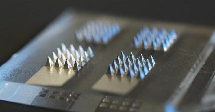Innowacyjne plastry mogą pomóc w dystrybucji szczepionek - nie tylko na COVID-19 /materiały prasowe